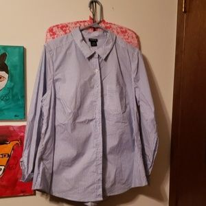 Torrid fitted pinstripe button down.